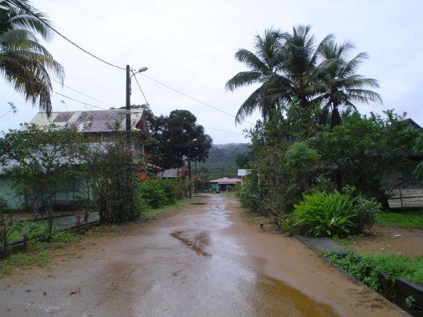 Calle en Kaw, Guiana Francesa