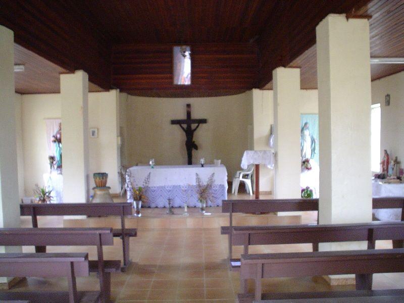 Dentro de la iglesia de Kaw