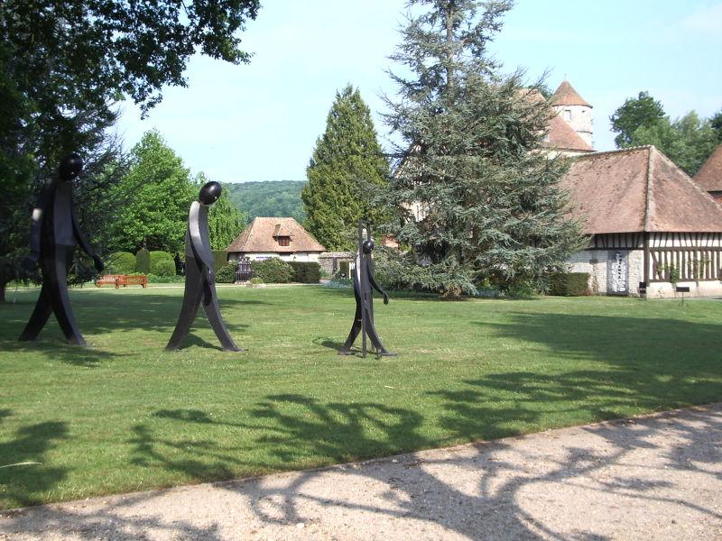Parque del castillo de Vascoeuil en Francia