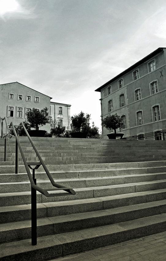 escalier derriere la mairie de marseille