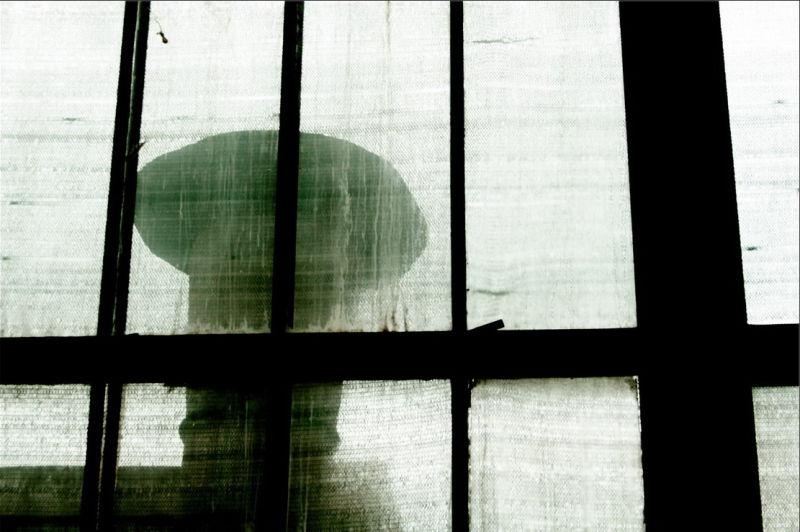 081006 - Veiled