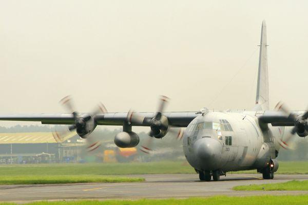 airport airshow bournemouth lockheed c130 hercules
