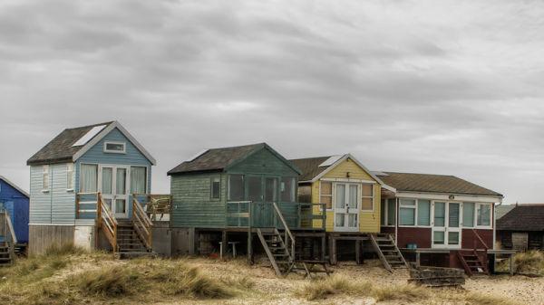 beach huts coast sea mudeford christchurch dorset