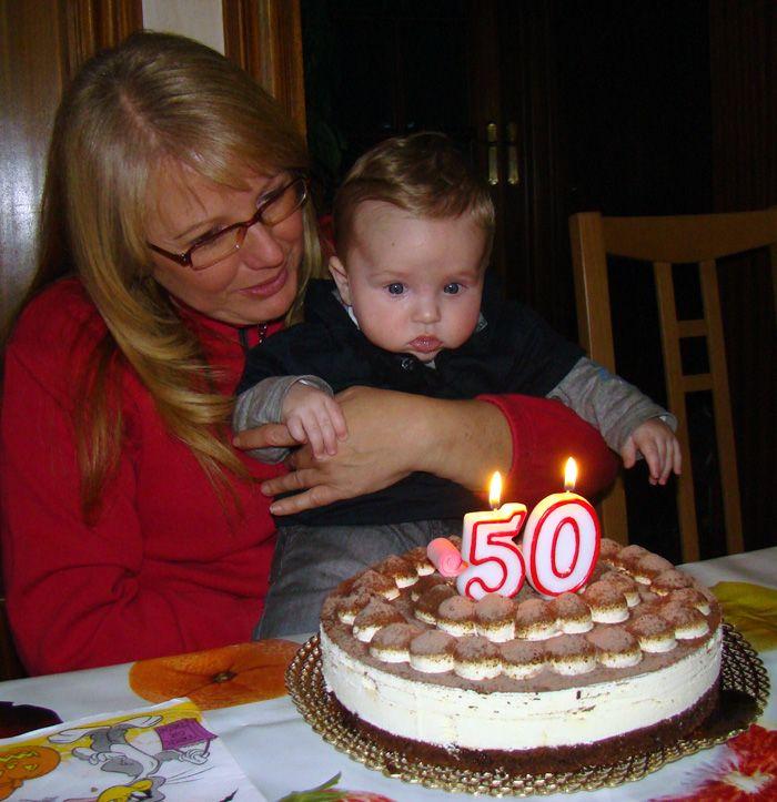 A u r o r a 50 anys