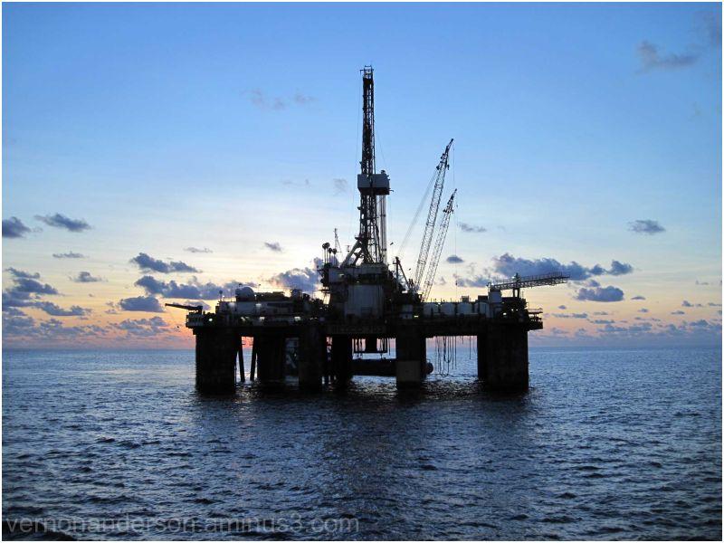 oil rig indian ocean