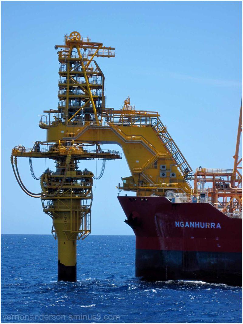 ship rig sea ocean fpso