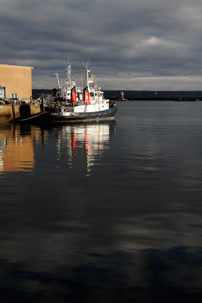 High tide tug