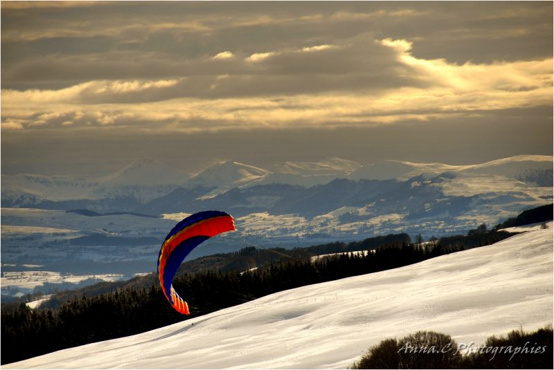 Snow-Kite session - II - Fly above mountains !