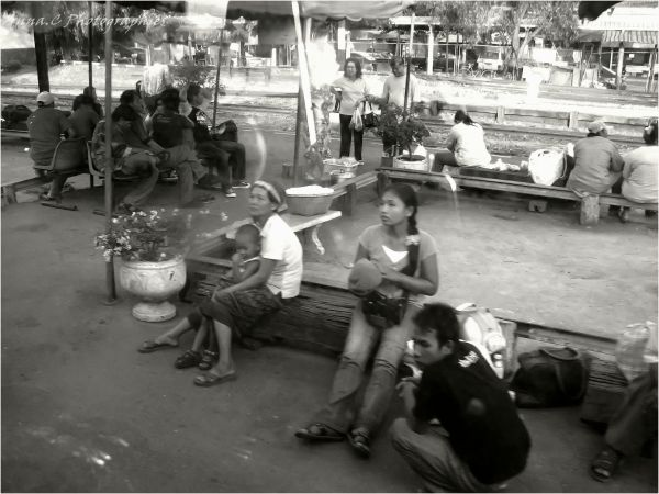 Arrivée en gare ( Bangkok Express   suite & fin)