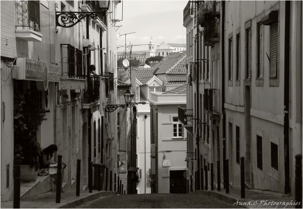 Rues de Lisbonne # 1   La lectrice