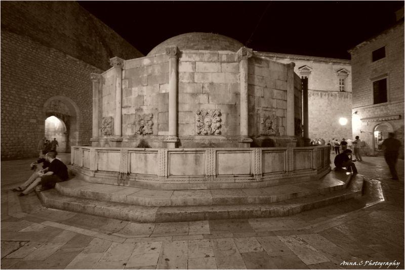Autour de la fontaine d'Onofrio