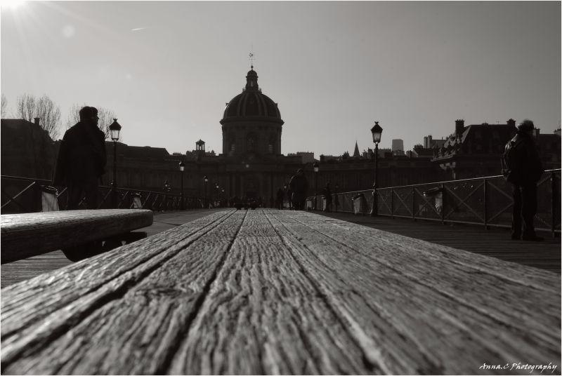 Un place sur le Pont des Arts
