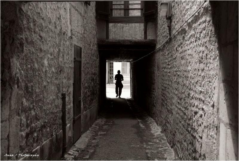 Dans les ruelles obscures