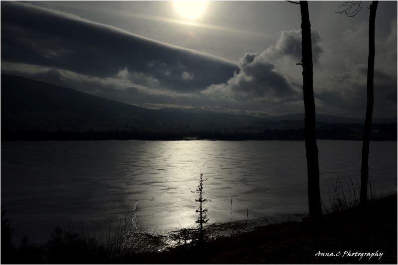 le Lac gelé...; 3/4 Ombre & Lumière sur le lac