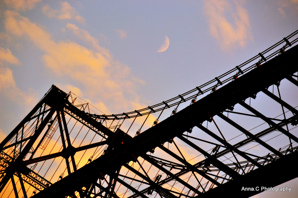 Un pont pour la Lune /A bridge to the moon