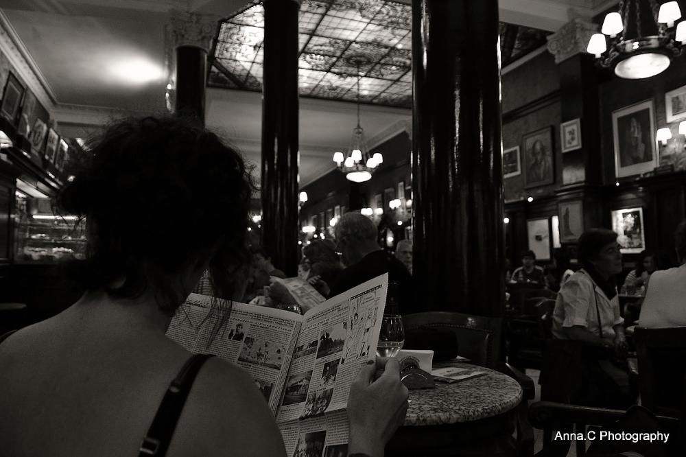 """Ambiance café # 3 """" la lectrice """""""