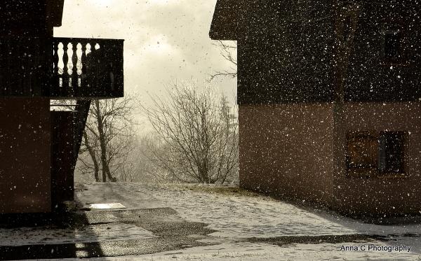 Regarde la neige tomber