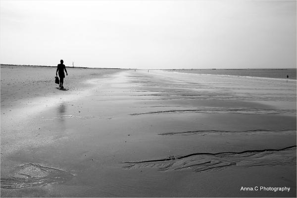 Il marche seul