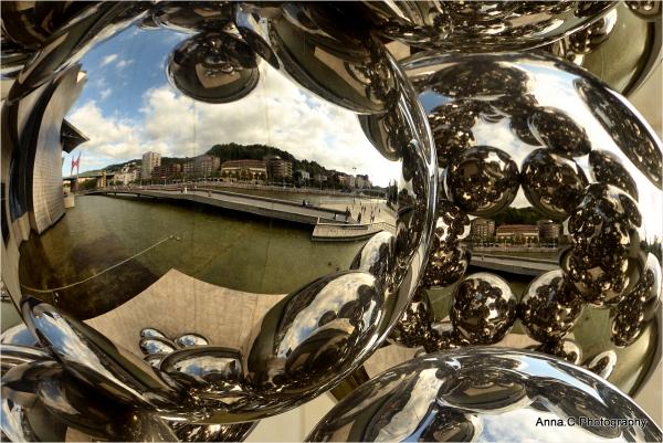 Guggenheim Bilbao # 12   Reflections in balls