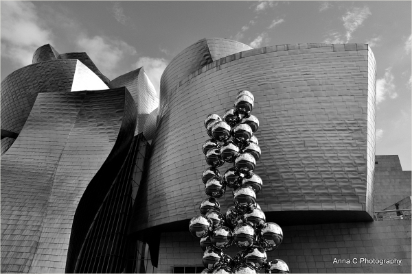 Guggenheim Bilbao # 33 - Lines and curves