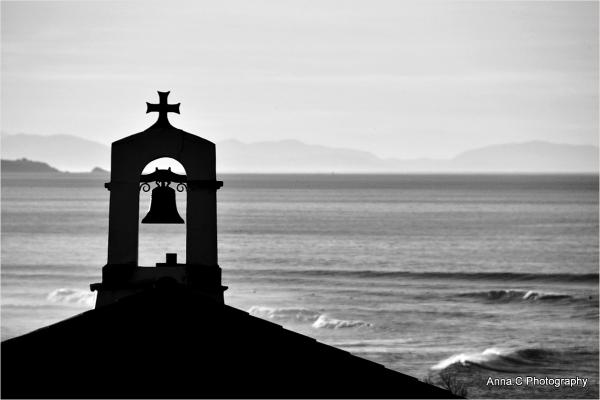 La chapelle sur la mer