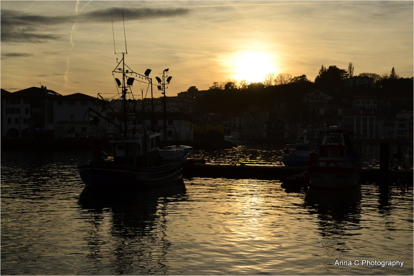 Soleil couchant sur le port