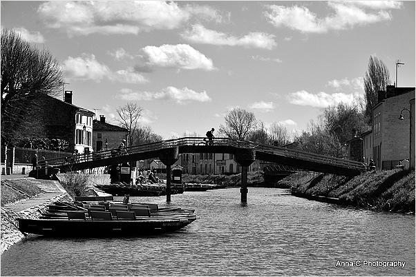Le cycliste sur le pont