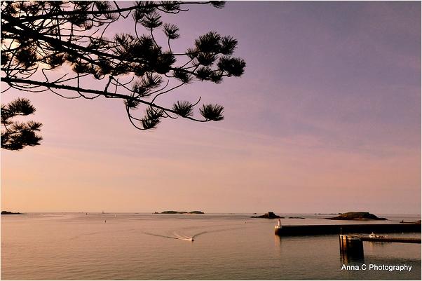 Crépuscule sur la baie de Saint-Malo
