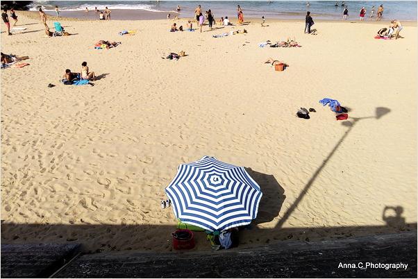 Sous le parasol
