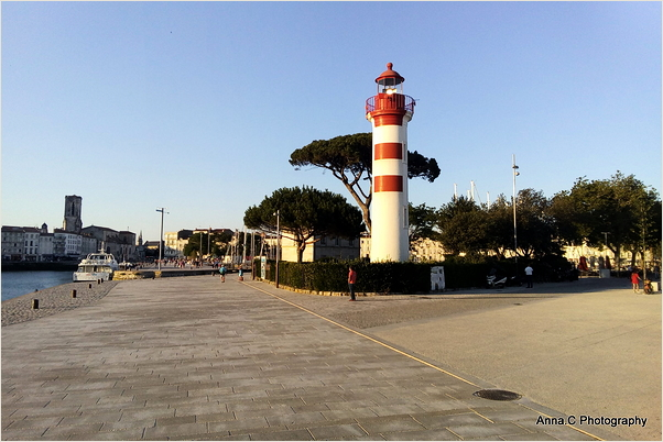 Le petit phare rouge