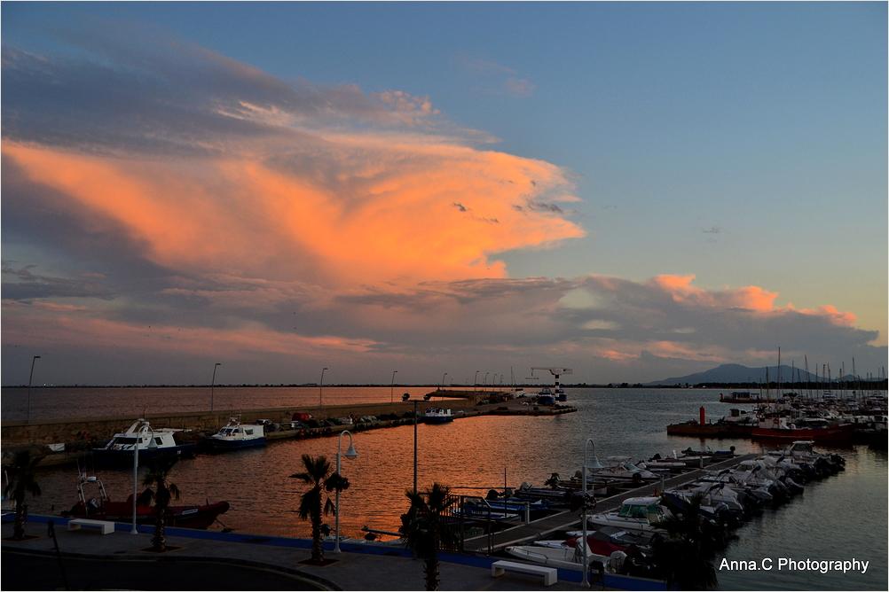 Coucher de soleil sur le port d'Ampolla