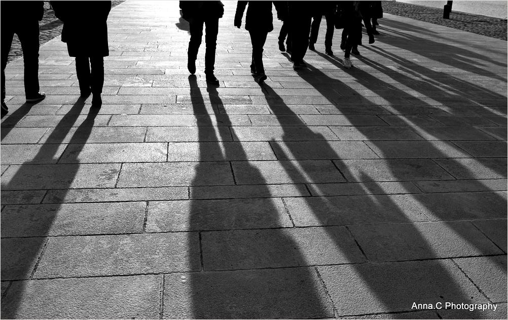 Les ombres en marche