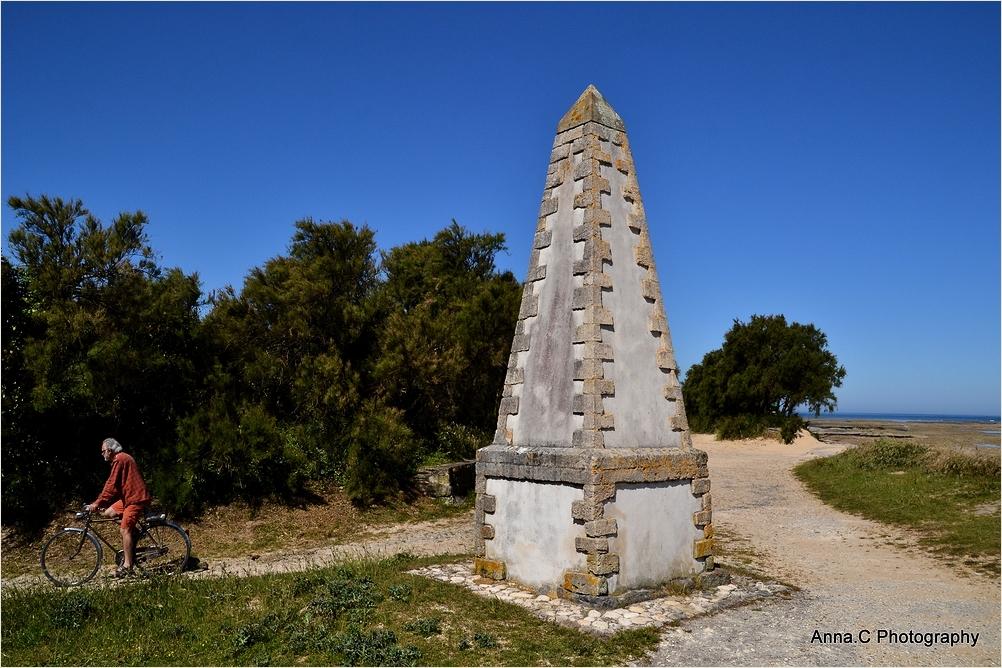 Le tour de la pyramide à vélo
