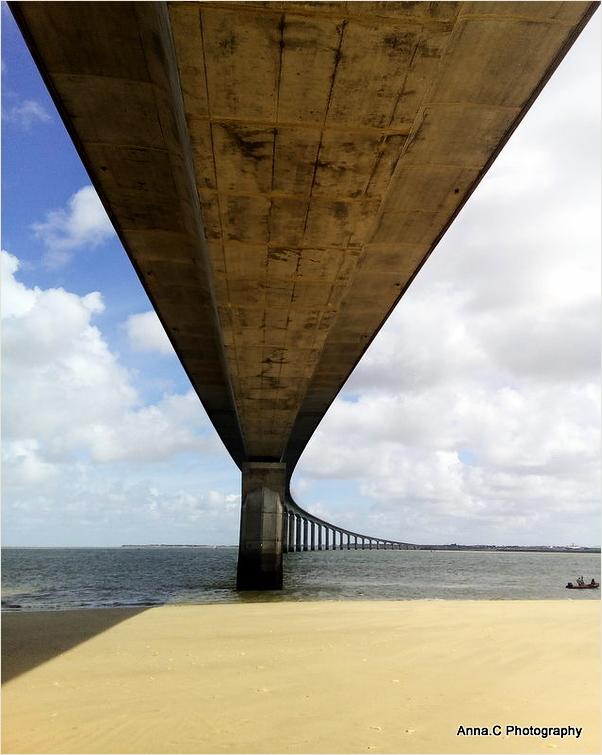 Sous le pont