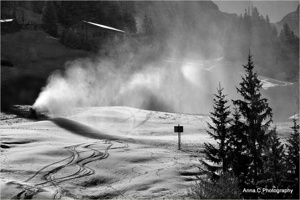 Traces sous les canons à neige