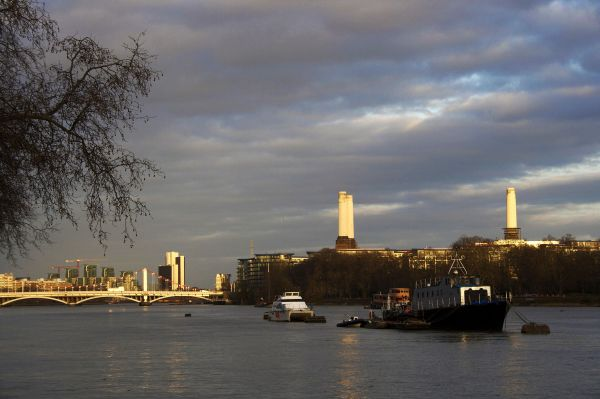 Battersea Park, Power Station, London, River Thame