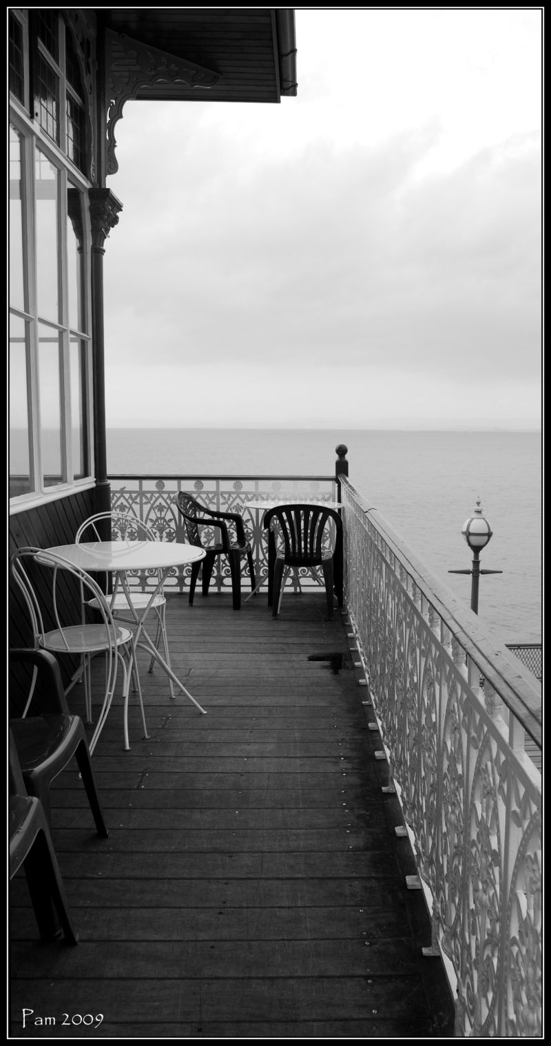 Dining on the pier...........