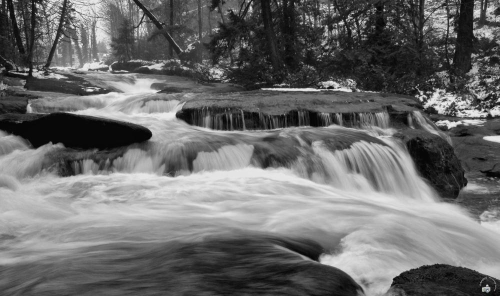 La cascade / The fall