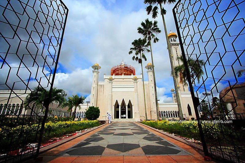 Masjid Omar Ali Saifuddien, BSB, Brunei Darussalam