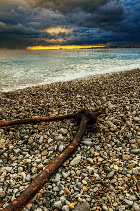 suivre le bord de mer