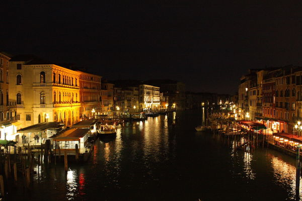 Nightshot of the Grande Canale, Italy.