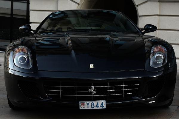 Ferrari 599 in front of the Monte Carlo.