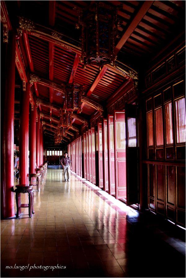 Dans les couloirs du temple