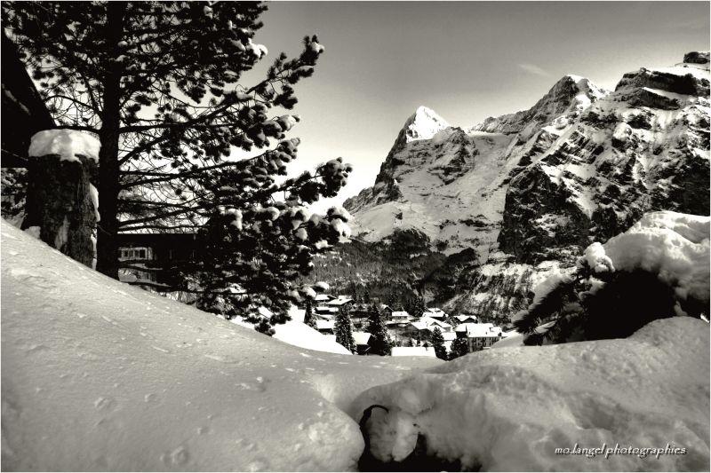Le village au creux des montagnes