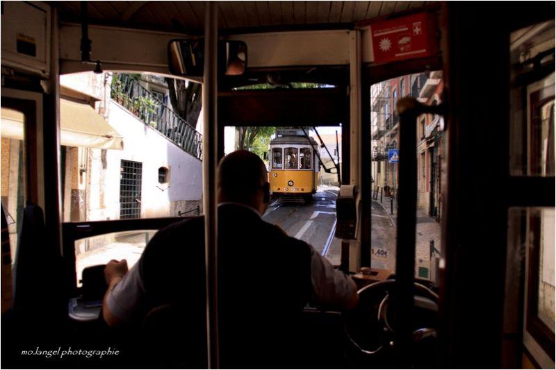Un petit tour dans le tram 28