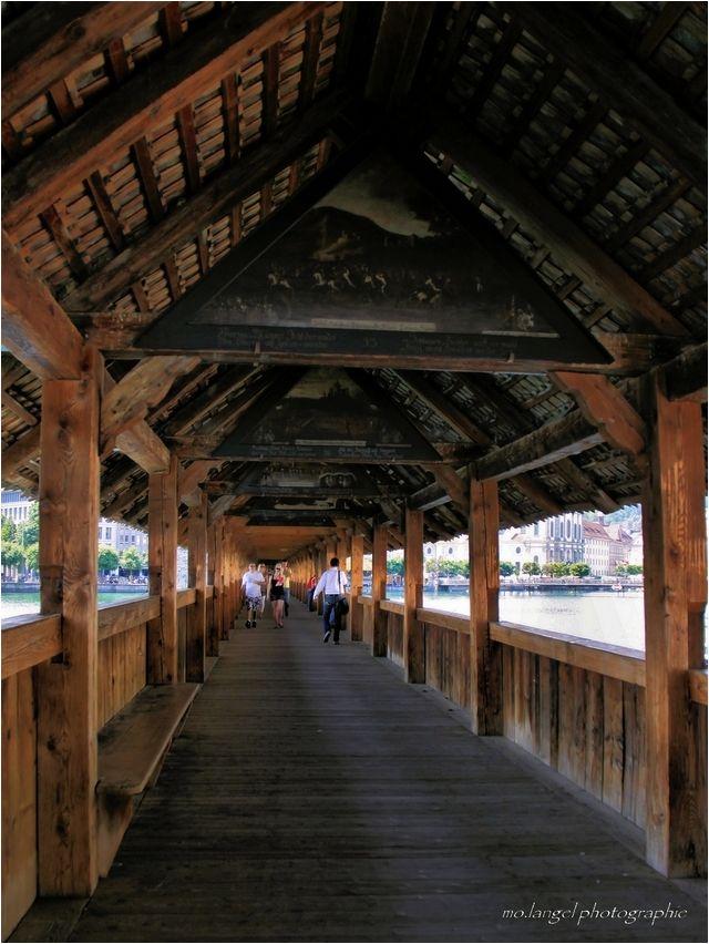 Sous le Pont en bois