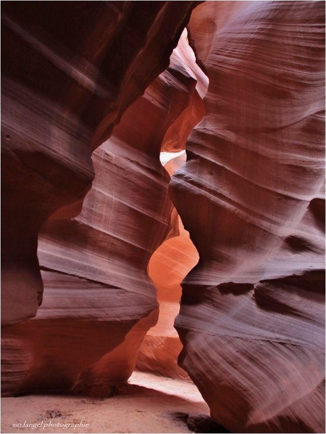 """""""Le lieu où l'eau coule à travers les rochers"""""""
