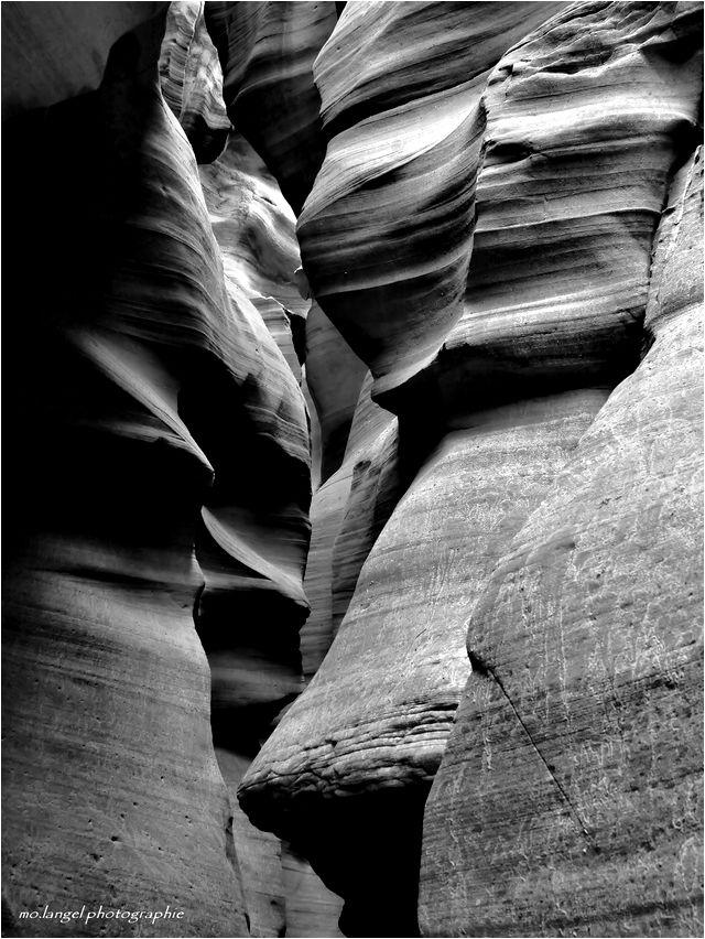"""""""Le lieu où l'eau coule à travers les rochers"""" II"""