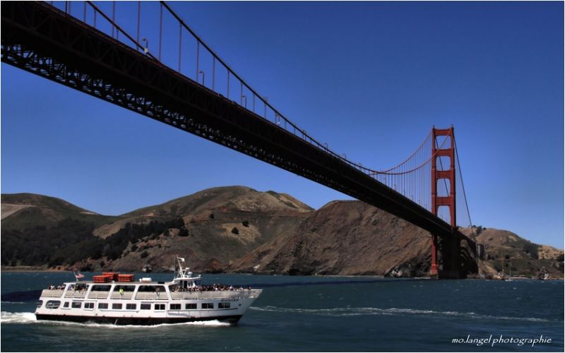 Sous Le Magnifique Pont