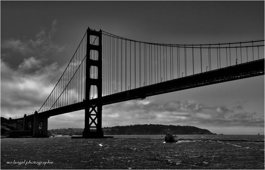 Sous Le Magnifique Pont II